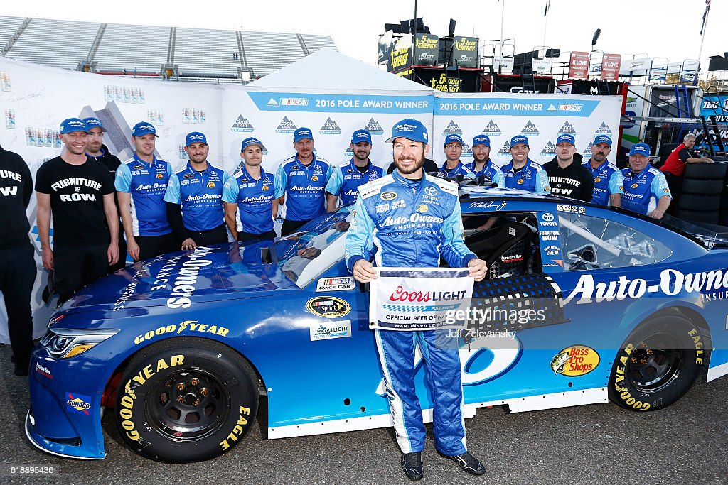 NASCAR Sprint Cup Series Goody's Fast Relief 500 - Qualifying : News Photo
