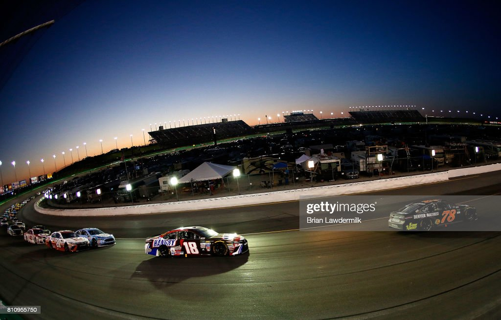 Bon Monster Energy NASCAR Cup Series Quaker State 400 Presented By Advance Auto  Parts : News Photo