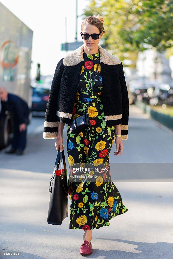 Street Style : Day Eight - Paris Fashion Week Spring/Summer 2017 : ニュース写真