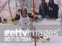 Martina Ertl fährt bei den Olympischen Winterspielen in Nagano 1998 im zweiten Lauf des KombinationsSlaloms auf der Piste von Hakuba hart an eine...