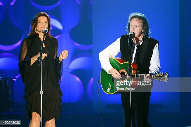 Martina McBride and Donovan perform onstage at Songwriters Hall Of Fame 45th Annual Induction And Awards Arrivals at Marriott Marquis Theater on June...