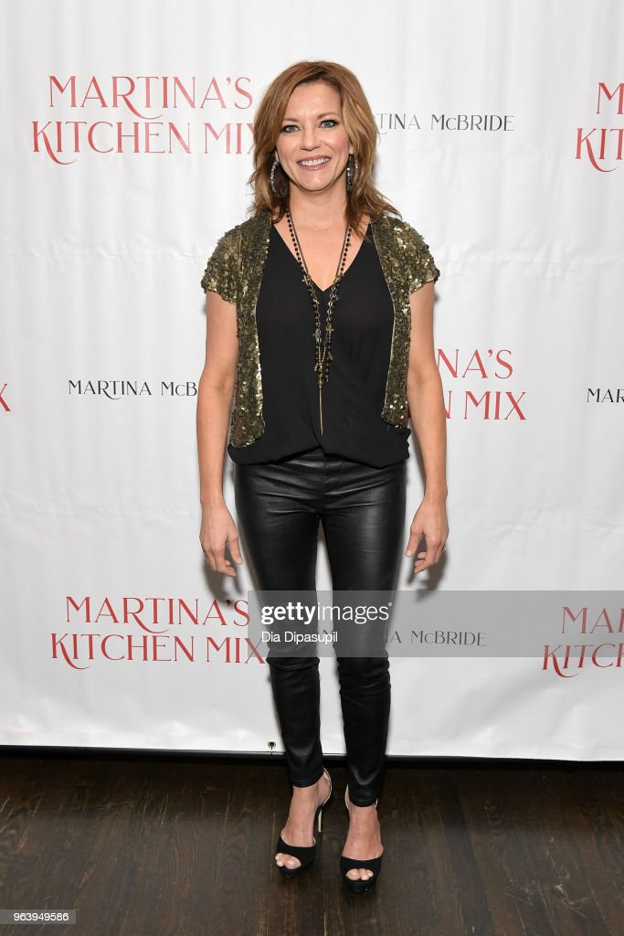 Martina McBride attends Martina McBride Announces Forthcoming Cookbook 'Martina's Kitchen Mix' at Chef's Club on May 30, 2018 in New York City.