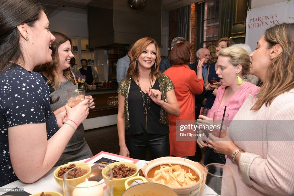 Martina McBride (C) attends Martina McBride Announces Forthcoming Cookbook 'Martina's Kitchen Mix' at Chef's Club on May 30, 2018 in New York City.