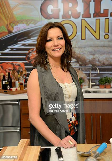 THE CHEW Martina McBride makes peach cobbler on the delicious talk show THE CHEW airing MONDAY MAY 23 on the ABC Television Network MARTINA