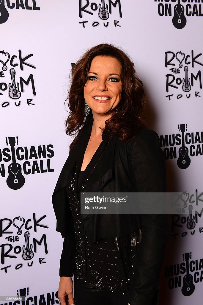 Martina McBride on the red carpet before the Musicians on Call event at City Winery Nashville on October 21, 2015 in Nashville, Tennessee.