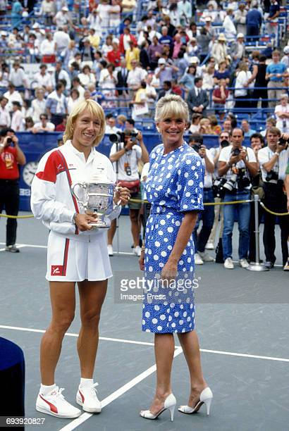 Martina Navratilova and Linda Evans at the 1986 US Open Tennis Tournament circa 1986 in Flushing Queens