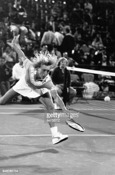 Martina Navratilova au filet au tournoi de tennis de Flushing Meadows en 1984 à NewYork Etats Unis