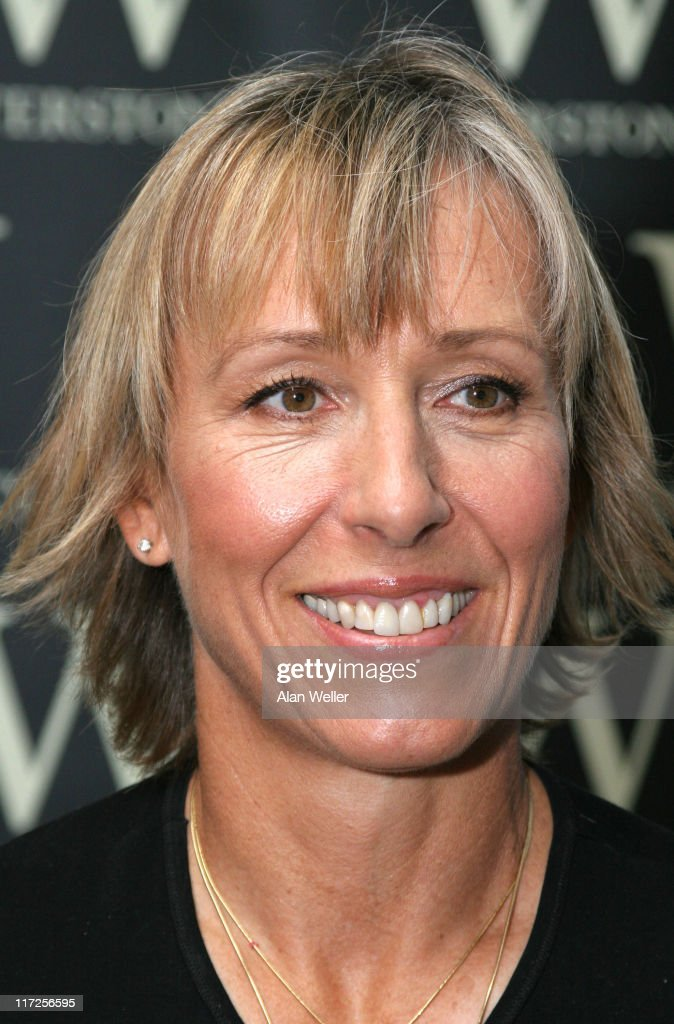 "Martina Navratilova Signs Copies of her New Book ""Shape Your Self"" at"