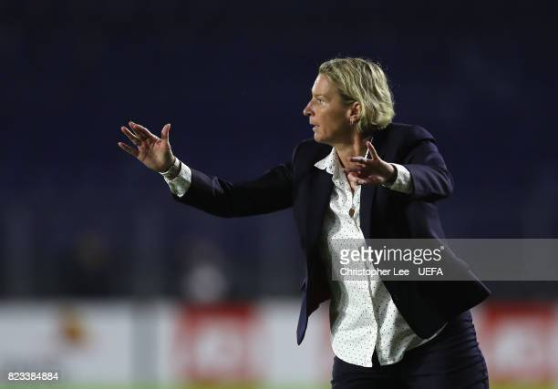 Martina Voss-Tecklenburg, head coach of Switzerland shouts orders to her players during the UEFA Women's Euro 2017 Group C match between Switzerland...