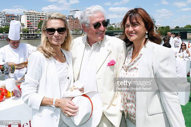 Martine Chancel JeanLoup Dabadie and his wife Veronique attend 'Brunch Blanc' hosted by Groupe Barriere for Sodexho with a cruise in Paris on June 30...
