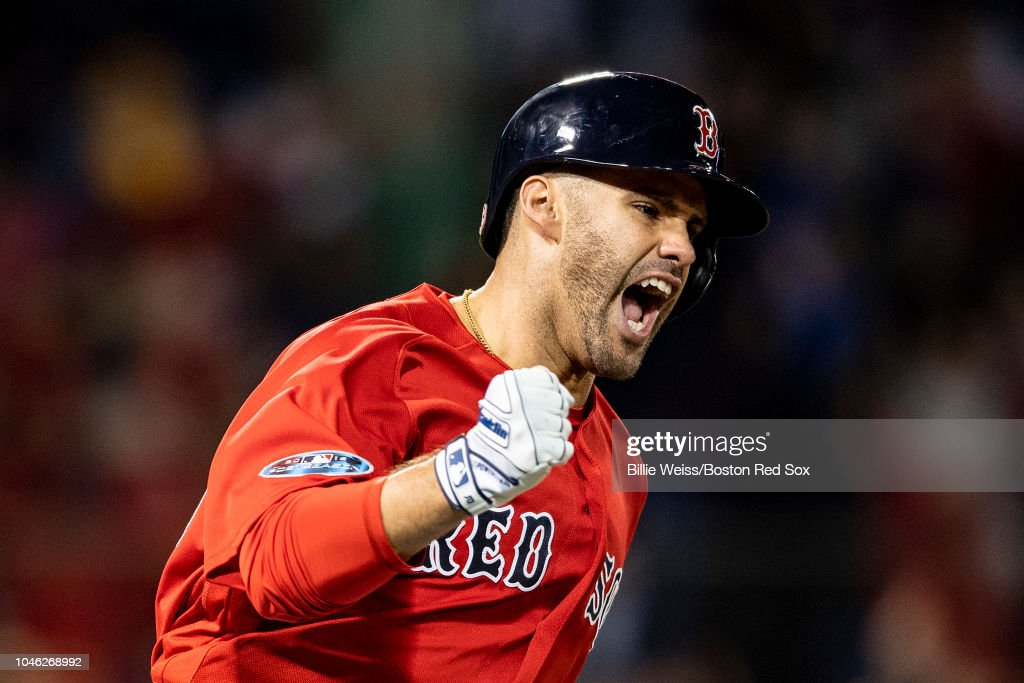 Divisional Round - New York Yankees v Boston Red Sox - Game One (G) : News Photo