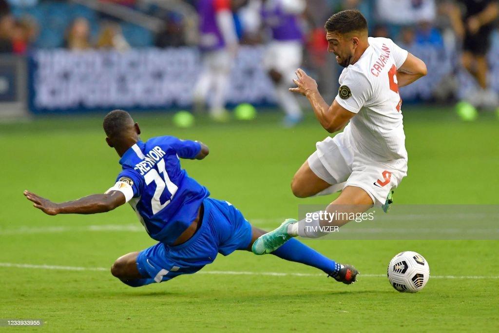 FBL-CONCACAF-GOLD-CAN-MTQ : News Photo