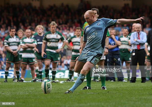 Martyn Williams of Cardiff misses during the sudden death penalty shoot to lose the Heineken Cup semi final match between Cardiff Blues and Leicester...
