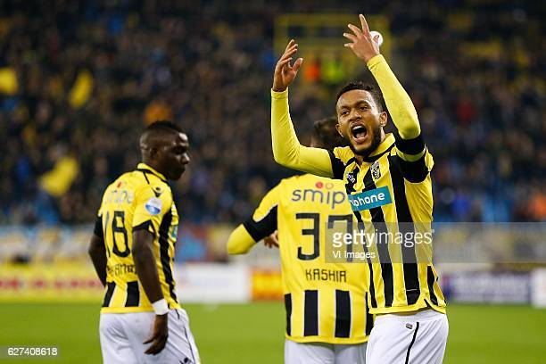 Marvelous Nakamba of Vitesse Guram Kashia of Vitesse Lewis Baker of Vitesseduring the Dutch Eredivisie match between Vitesse Arnhem and PEC Zwolle at...