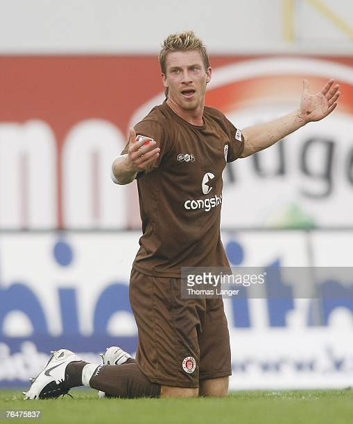 Marvin Braun of St. Pauli reacts during the 2. Bundesliga match between SpVgg Greuther Fuerth and FC St. Pauli on September 02, 2007 in Fuerth,...