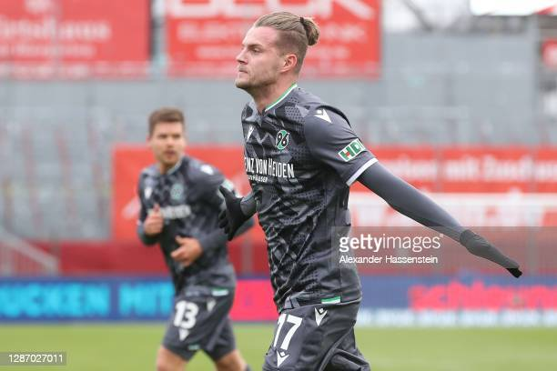 Marvin Duksch of Hannover celebrates scoring the opening goal during the Second Bundesliga match between FC Würzburger Kickers and Hannover 96 at...