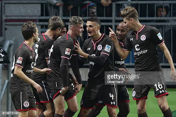 Marvin Duksch of Pauli celebrates after scoring their first goal during the Second Bundesliga match between FC St Pauli and FC Erzgebirge Aue at...