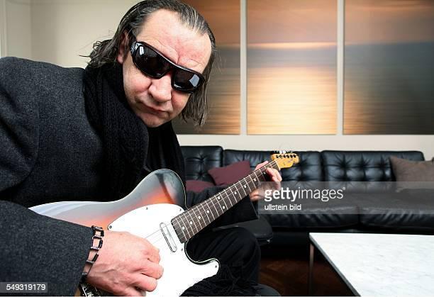 Marvin Gaye's Ostende Danny Bossaer Wirt der Kneipe 'De Tijd' schrieb das Riff zu Marvin Gaye's Song 'Rockin' after Midnight' Oostende Belgien