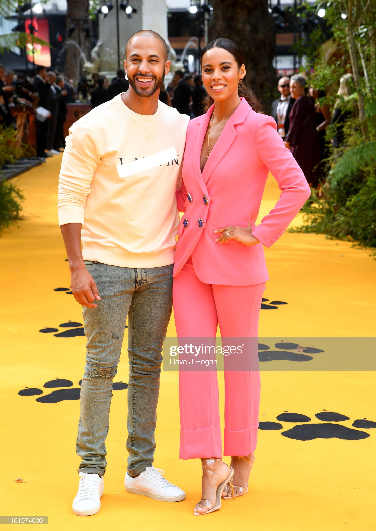 ¿Cuánto mide Rochelle Wiseman (Humes)? - Altura - Real height Marvin-humes-and-rochelle-humes-attends-the-lion-king-european-at-picture-id1161974630?s=2048x2048