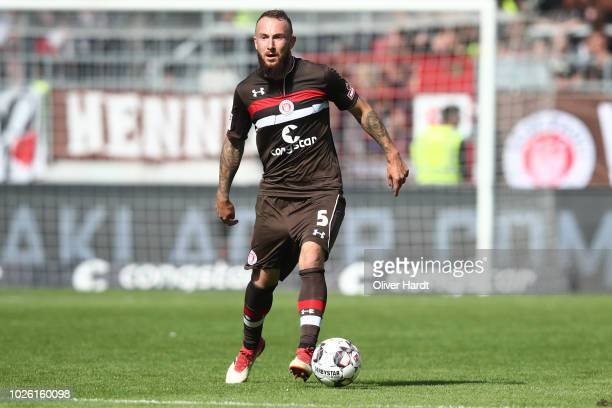 Marvin Knoll of StPauli in action during the Second Bundesliga match between FC St Pauli and 1 FC Koeln at Millerntor Stadium on September 2 2018 in...