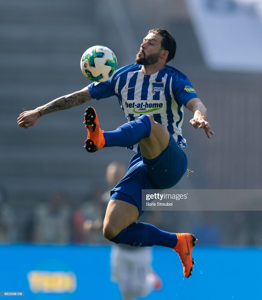Marvin Plattenhardt of Hertha BSC controls the ball during the Bundesliga match between Hertha BSC and FC Augsburg at Olympiastadion on April 28, 2018 in Berlin, Germany.