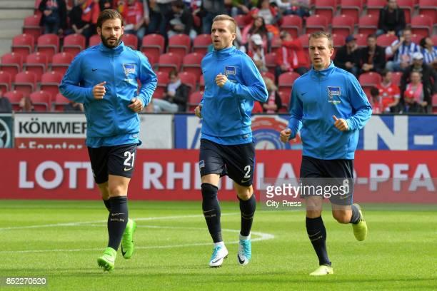 Marvin Plattenhardt Peter Pekarik and Vladimir Darida of Hertha BSC before the game between FSV Mainz 05 and Hertha BSC on september 23 2017 in Mainz...