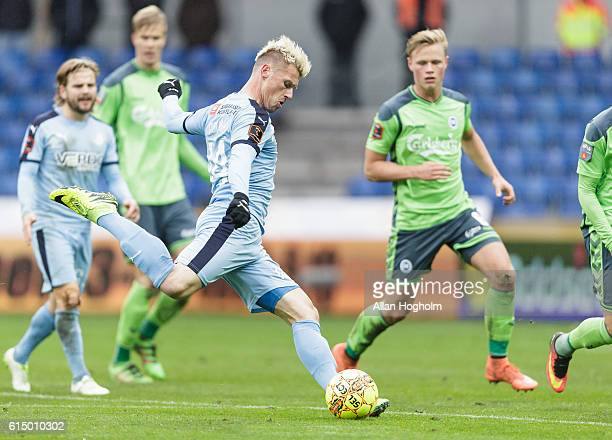 Marvin Pourie of Randers FC controls the ball during the Danish Alka Superliga match between Randers FC and OB Odense at BioNutria Park on October 16...