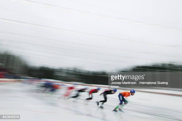 Marwin Talsma of Netherlands leads the pack in the men's mass start during day three of the World Junior Speed Skating Championships at Oulunkyla...