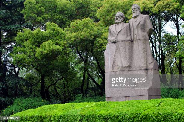 marx and engels statue, shanghai, china - karl marx stock pictures, royalty-free photos & images