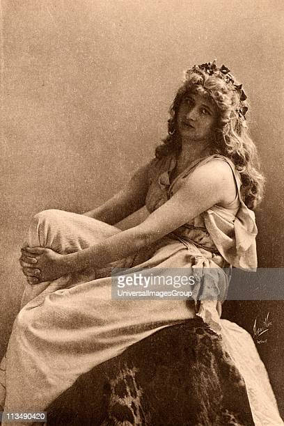 Mary Anderson American actress here as Perdita in The Winter's Tale by William Shakespeare a part which she played at the Lyceum Theatre London in...