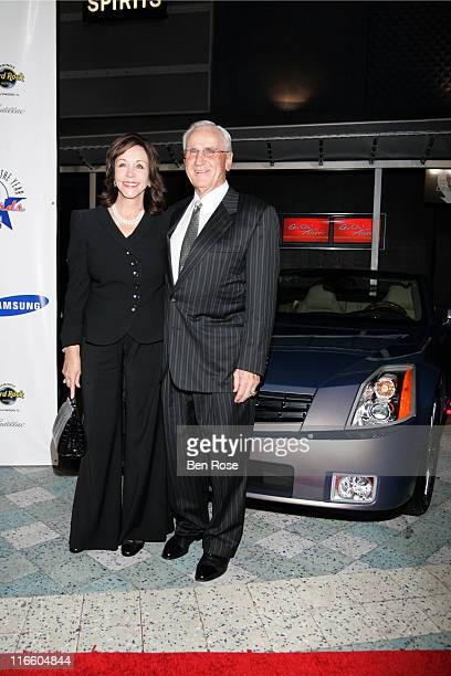 Mary Anne and Don Shula at the NFL Alumni Player of the Year Awards at the Hard Rock Casino in Hollywood Florida on February 2 2007