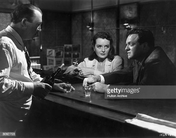 Mary Astor and Van Heflin in a bar scene from the filmnoir 'Act of Violence' directed by Fred Zinnemann for MGM