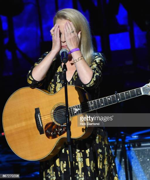 Mary Chapin Carpenter performs during the Country Music Hall of Fame and Museum Medallion Ceremony to celebrate 2017 hall of fame inductees Alan...