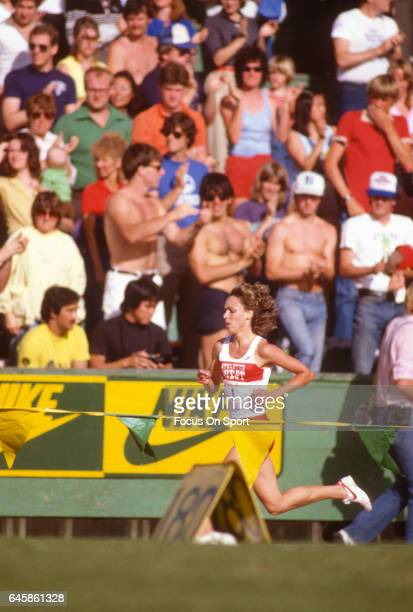 Mary Decker of the United States competes in the Track and Field Prefontaine Classic circa 1983 at Hayward Field the University of Oregon in Eugene...