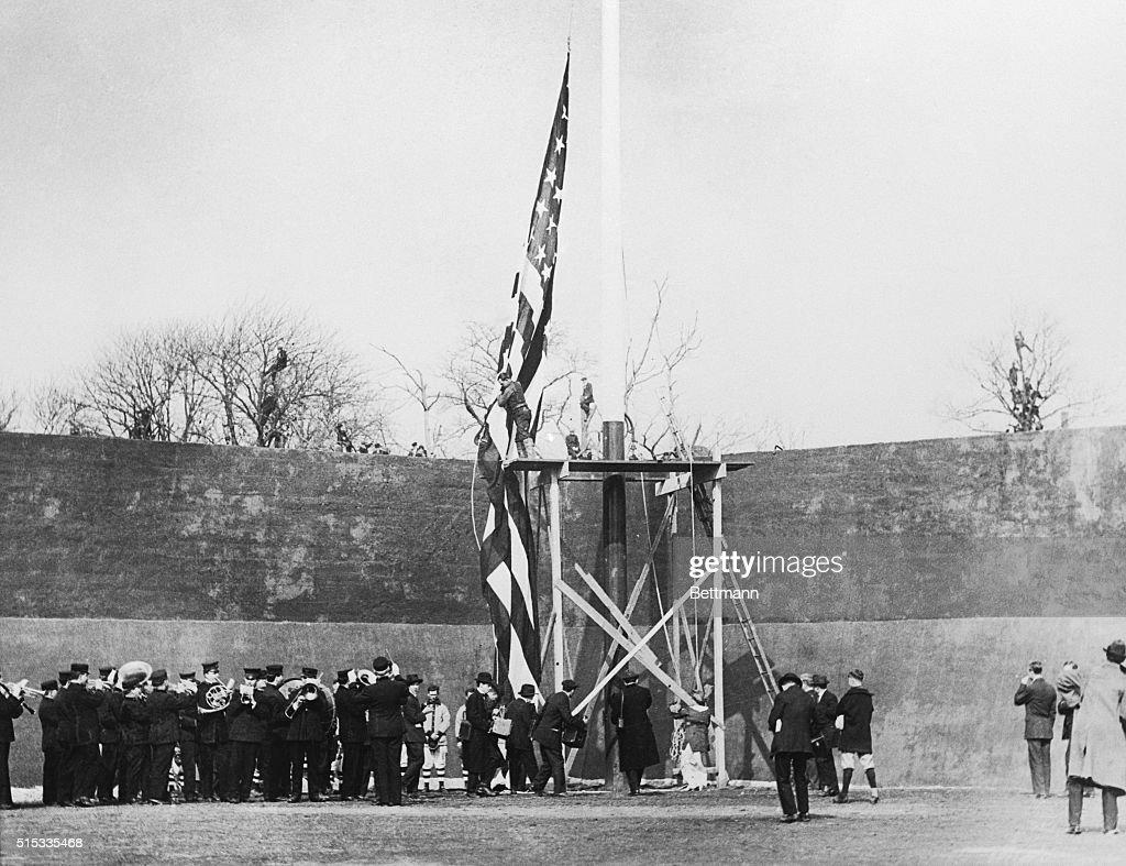 Mary Ebbets Hoists the Flag : News Photo