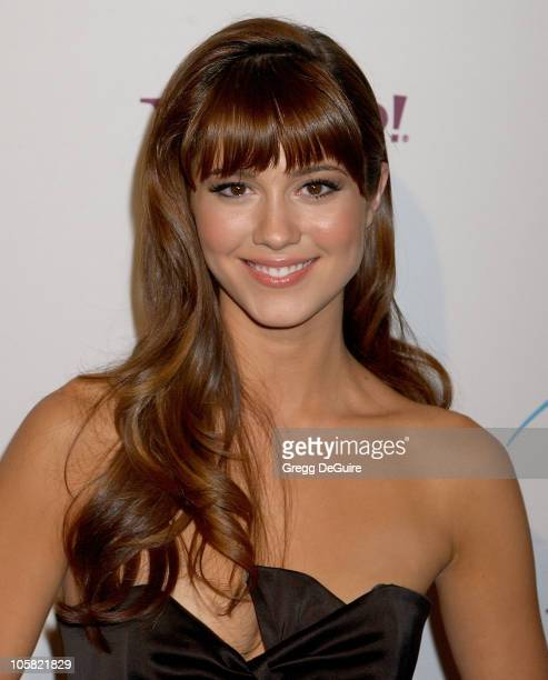 Mary Elizabeth Winstead during Hollywood Film Festival - 10th Annual Hollywood Awards - Arrivals at The Beverly Hilton Hotel in Beverly Hills,...
