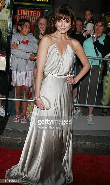 Mary Elizabeth Winstead during Live Free or Die Hard New York City Primiere Arrivals at Radio City Music Hall at 1260 Avenue of the Americas in New...