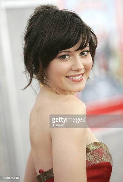 """Mary Elizabeth Winstead during """"Sky High"""" Los Angeles Premiere - Arrivals at El Capitan in Hollywood, California, United States."""