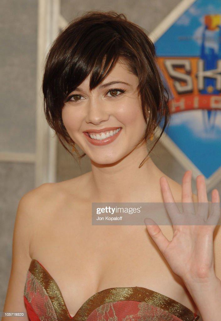 """Sky High"" Los Angeles Premiere - Arrivals : News Photo"