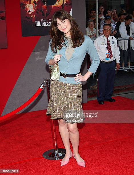 Mary Elizabeth Winstead during The Incredibles Los Angeles Premiere Arrivals at The El Capitan Theatre in Hollywood California United States