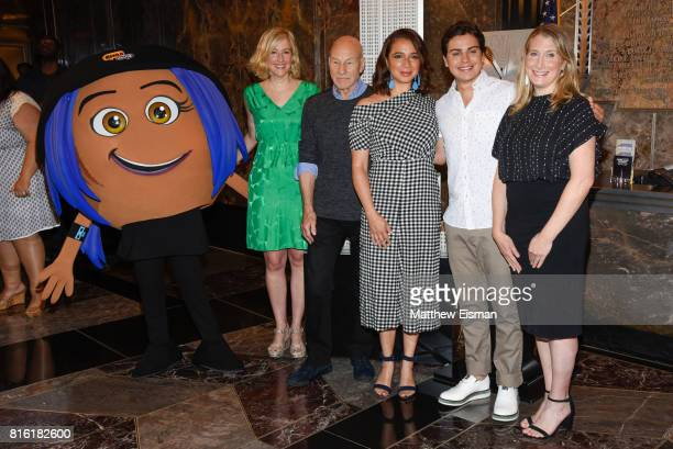 Mary Ellen Miller Sir Patrick Stewart Maya Rudolph Jake T Austin and Sara Link pose together for a photo to celebrate World Emoji Day at The Empire...