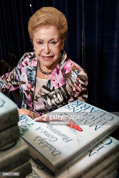 Mary Higgins Clark signing Daddy's Gone a Hunting at Bookexpo America at the Javitz Center in New York