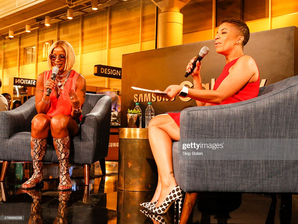Mary J. Blige and Dana Blair attend the Samsung Galaxy Experience at the ESSENCE Festival on July 5, 2015 in New Orleans, Louisiana.