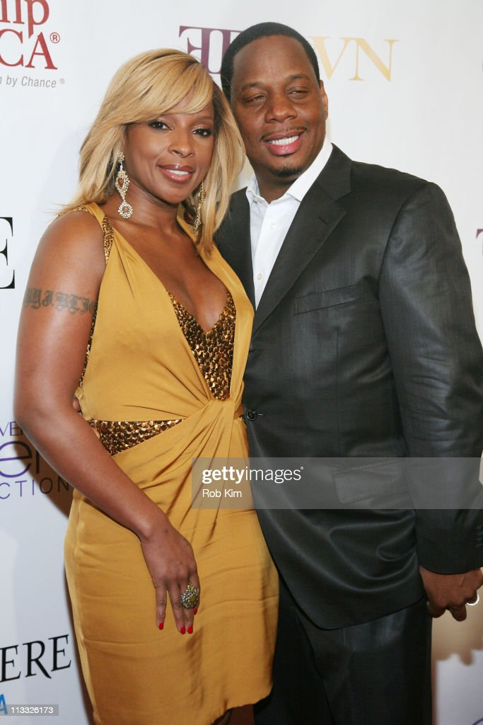 Mary J. Blige (L) and guest attend the 2nd Annual Mary J. Blige Honors Concert at Hammerstein Ballroom on May 1, 2011 in New York City.