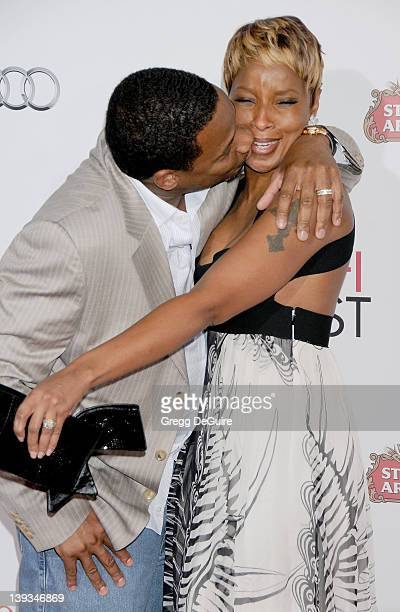 Mary J Blige and Kendu Isaacs arrive at AFI FEST 2009 Gala Screening of 'Precious' at Grauman's Chinese Theater on November 1 2009 in Hollywood...