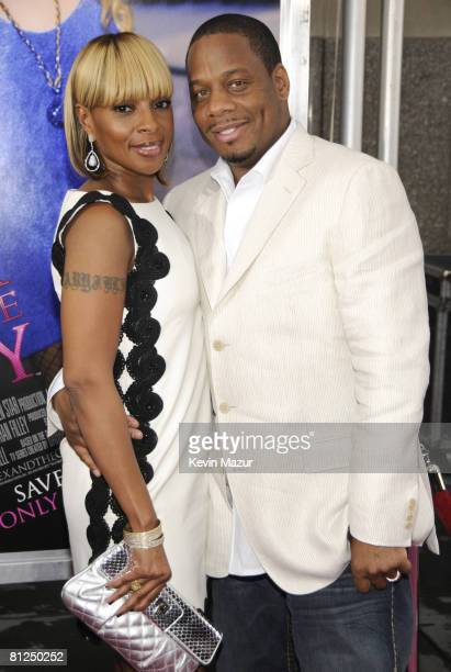 """Mary J. Blige and Kendu Isaacs attend the premiere of """"Sex and the City: The Movie"""" at Radio City Music Hall on May 27, 2008 in New York City."""