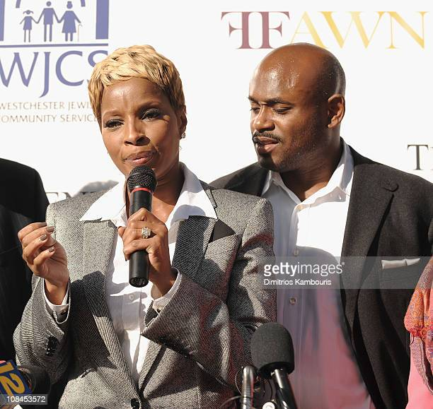 Mary J Blige and Steve Stoute attend the ribbon cutting for the Mary J Blige Center for Women on October 22 2009 in Yonkers New York