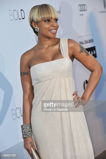 Mary J Blige arrives at amfAR's Cinema Against AIDS 2010 benefit gala at the Hotel du Cap on May 20 2010 in Antibes France