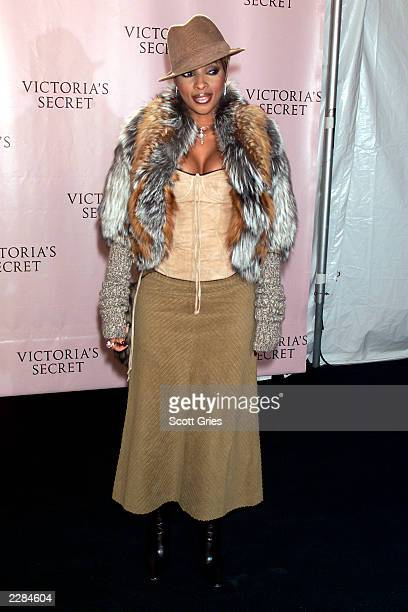 Mary J Blige arrives at the Victoria's Secret Fashion Show 2001 at Bryant Park in New York City The show will air on ABC on Thursday November 15...