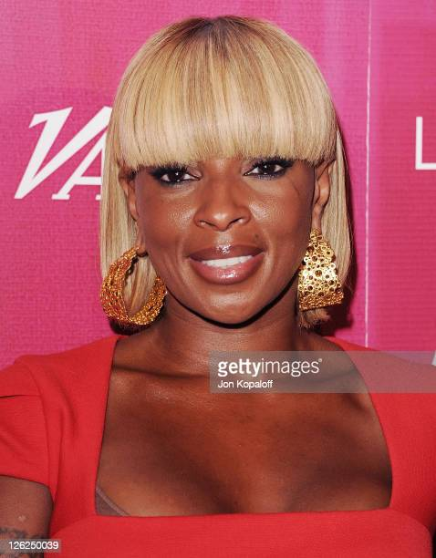 Mary J. Blige arrives at Variety's 3rd Annual Power Of Women Luncheon at the Beverly Wilshire Four Seasons Hotel on September 23, 2011 in Beverly...
